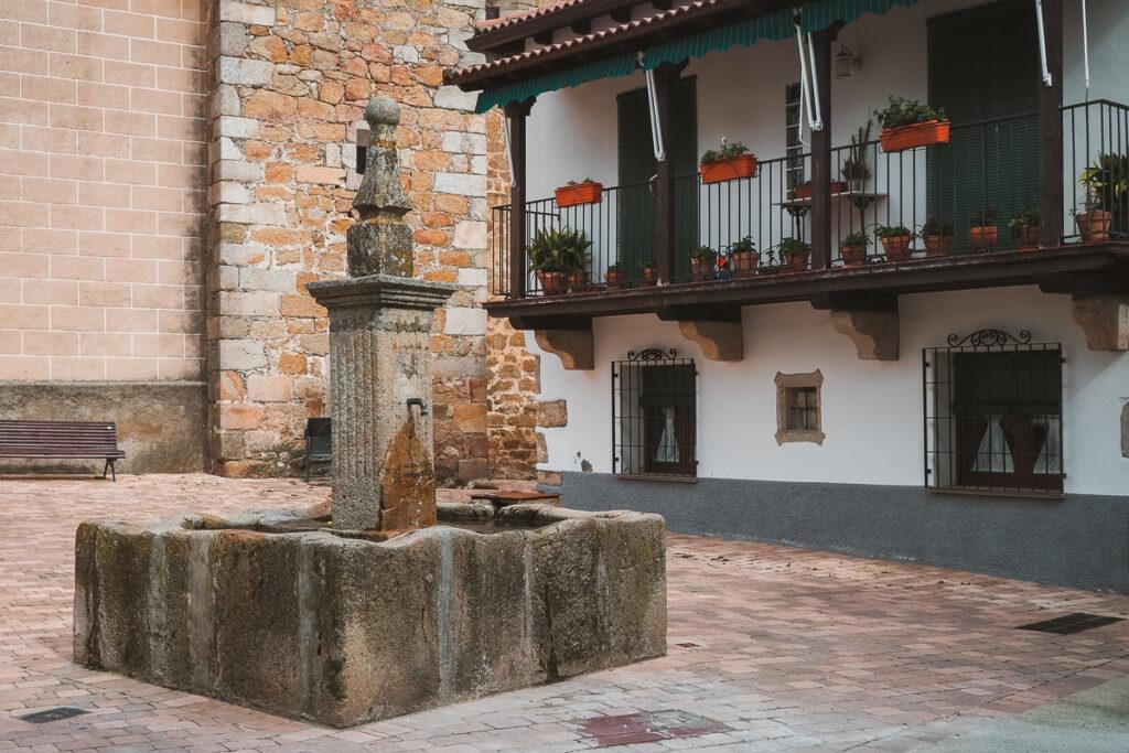 Fuente en Aldeanueva del Camino