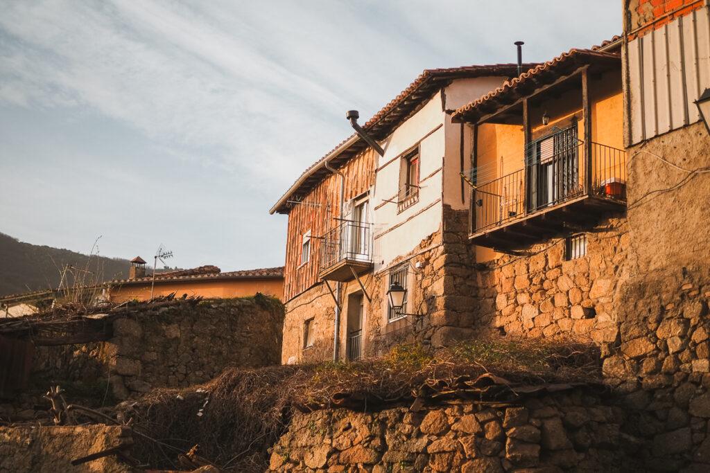 Arquitectura típica en Baños de Montemayor