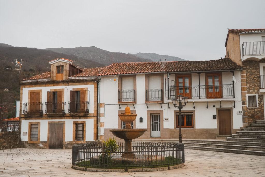 Plaza Morales en Casas del Monte