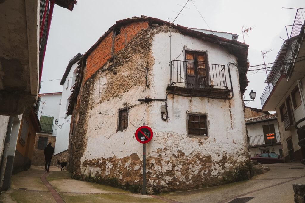 Arquitectura tradicional del Valle del Ambroz en Casas del Monte