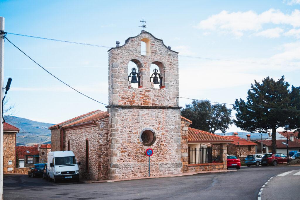 Iglesia de Saniago Apóstol de Manjirón