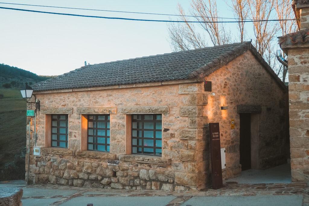Centro de interpretación de la ruta del Frente del Agua en Paredes de Buitrago
