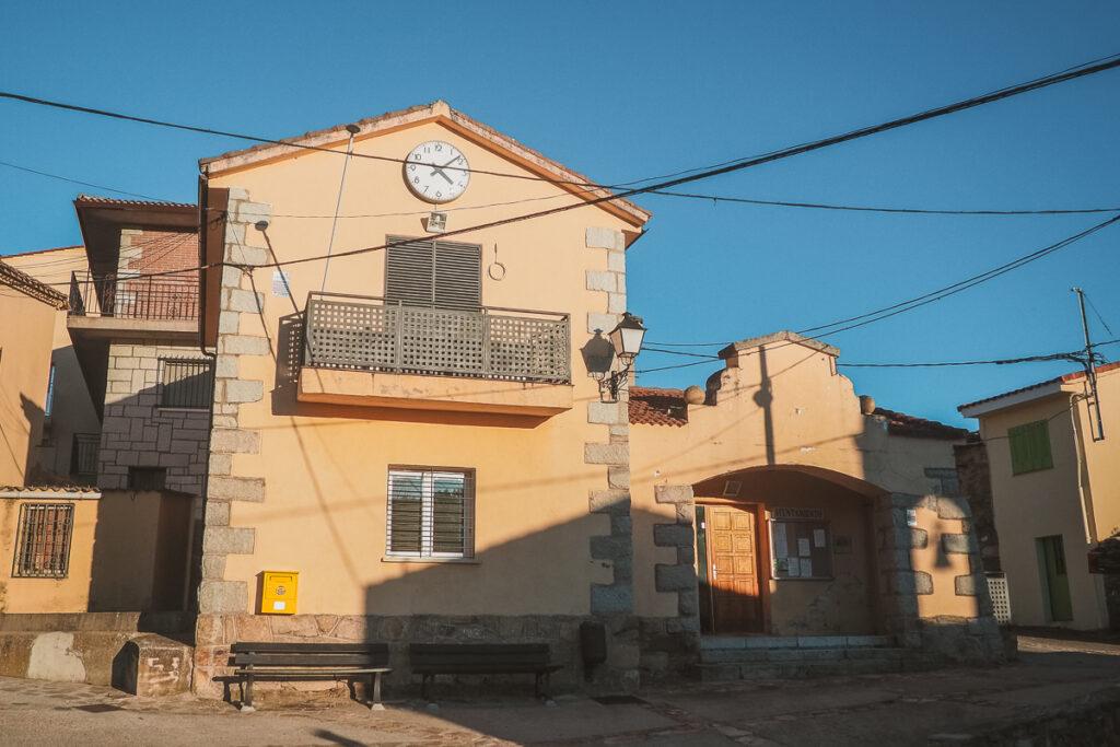 Antiguo ayuntamiento de Paredes de Buitrago