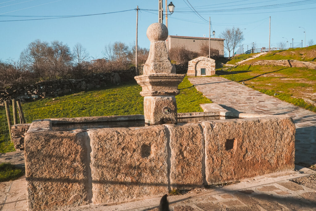 Fuente vieja de Paredes de Buitrago